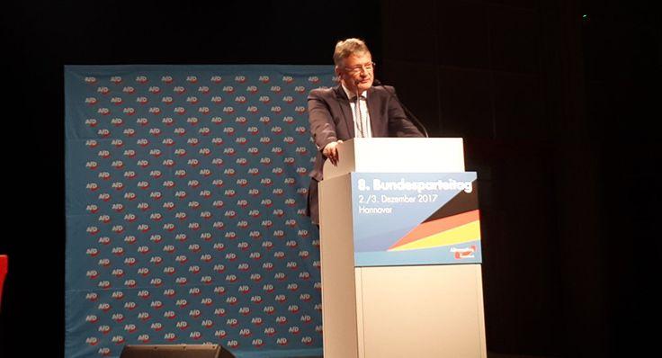 Die AfD habe 2017 alle selbst gesteckten politischen Zielsetzungen erreicht. Das sagte AfD-Chef Jörg Meuthen zum Auftakt des 8. AfD-Parteitags in Hannover am Samstagmittag. Bisherige Arbeit seiner Partei im Bundestag sei erfolgreich. Merkel verantwortlich für &...