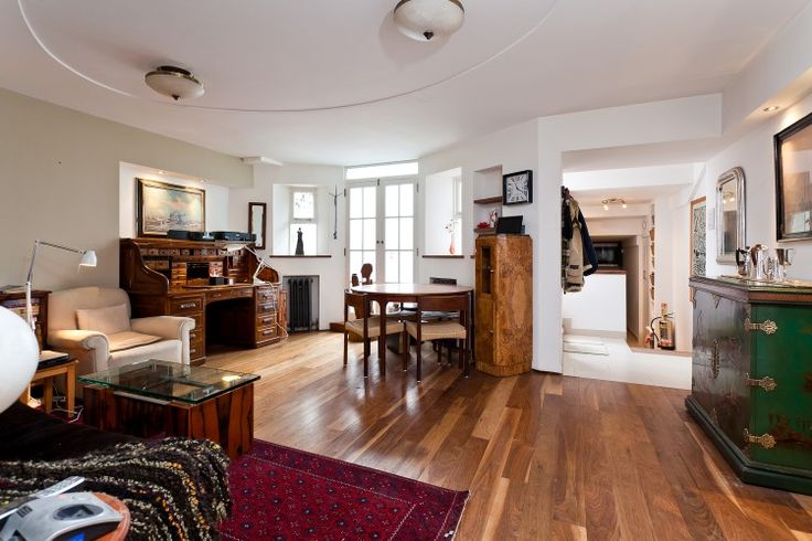 Reception room basement flat London W8  #cutlerandbond #basementflat #gardenflat #londonflat