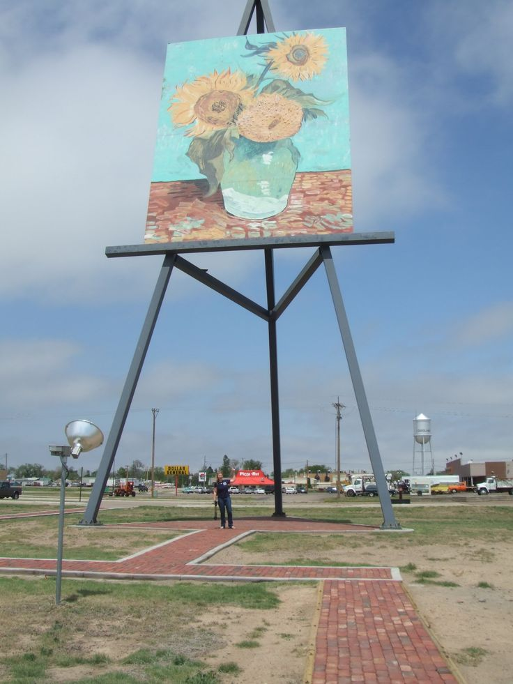 World's Largest Easel in Goodland, KS