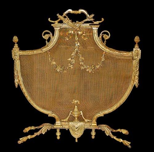 c1880 Fine cast bronze French firescreen in shield shape