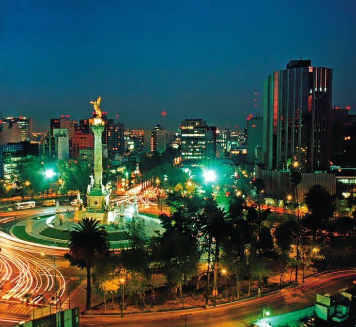 La Ciudad de México Distrito Federal ! una de las ciudades mas grandes del mundo que cuenta con todos los beneficios de una ciudad y para visitar