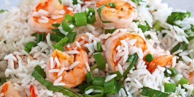 Insalata di #riso: #ricette facili e veloci. Scopri come fare l'insalata di riso e le migliori ricette per preparare una sana #insalata con #risointegrale o bianco, ricca di sostanze nutrienti.. #ricetta #insalatadiriso