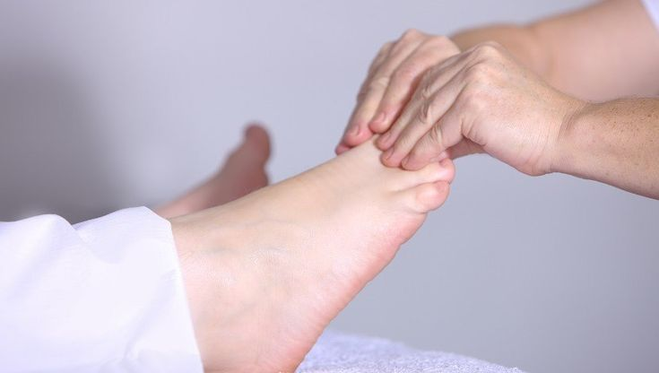 Proven Anti-Inflammatory Essential Oils for Plantar Fasciitis (Heel Pain) – Essential Bazaar