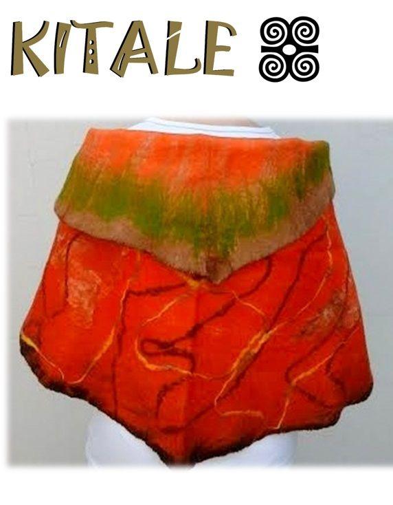 Echarpe naranjo realizado en fieltro nuno, con aplicaciones de tela de seda y lana.