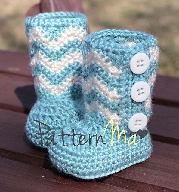 Ravelry: Chevron Baby Booties pattern by Rebecca PatternMa