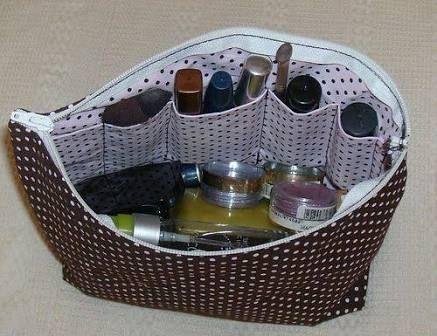 Puede see un costurero - organizador.///////           Resultado de imagem para porta maquiagem em tecido