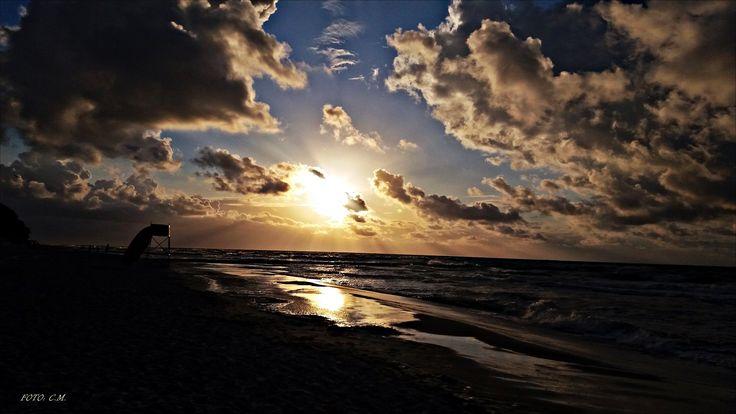 Miłość jest jak wschód i zachód słońca... :)