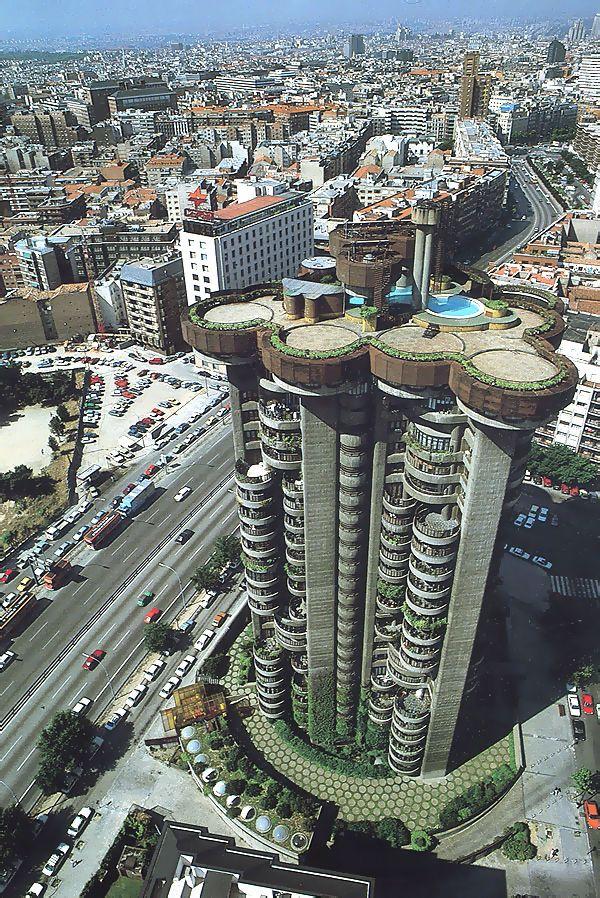 Torres Blancas-1980