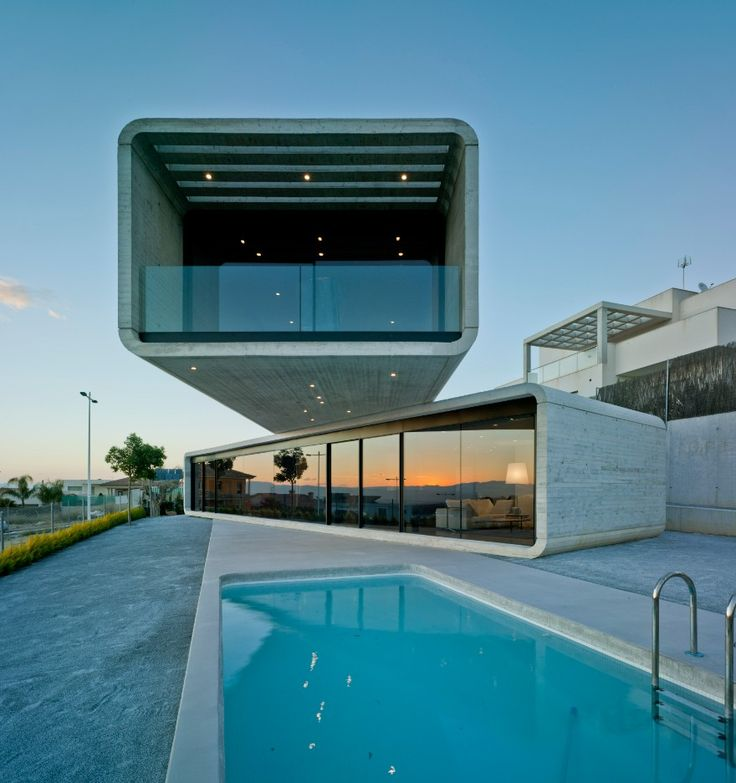 Casa Cruzada / Crossed House