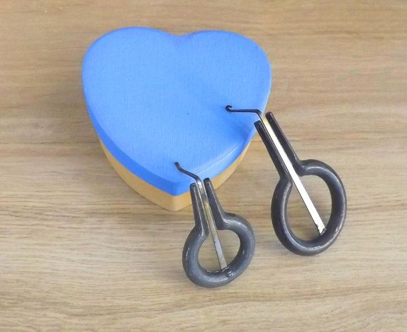 Lovely Valentine's day gift. Two sicilian jewsharp with hand painted heart shaped box ( guimbarde, marranzano in iron). SMALL + MEDIUM size