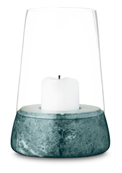 Denne flotte lysestage fra Skjalm P - MARMOR HURRICANE passer super godt ind med sin grønne marmor til den nye Botanica trend #inspirationdk #bolig #botanik #trend #boligtrend