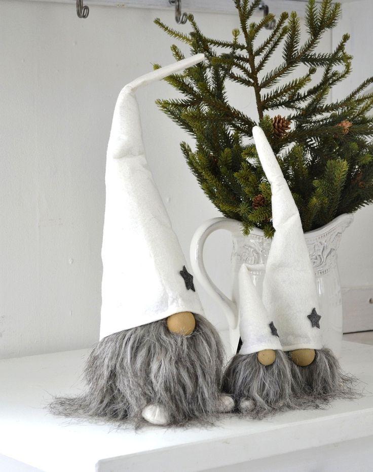 les 71 meilleures images du tableau noel gnomes lutins. Black Bedroom Furniture Sets. Home Design Ideas