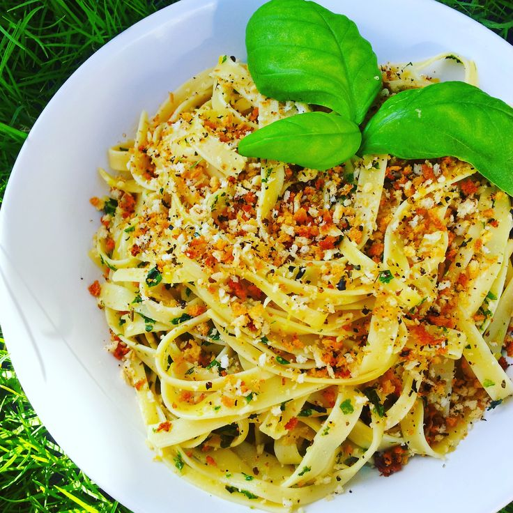Crunchy and delicious Linguini topper - vegan