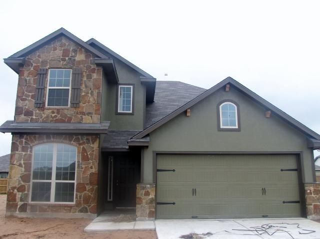 206 PEBBLE Court Navasota TX 77868 by RE/MAX Bryan College Station 95846 Gorgeous 4 bedrooms, 3.5 bath house that is ready to become your new home! Price: $229,900