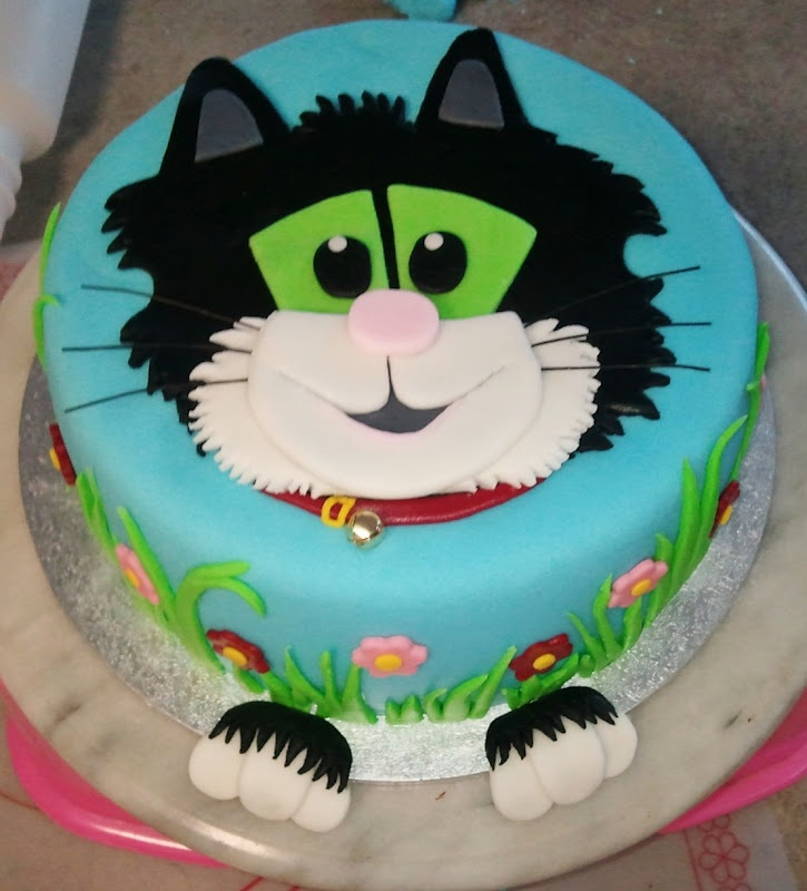 Cake Decorating Ideas Cat : 28 best images about Postman Pat Cake. on Pinterest