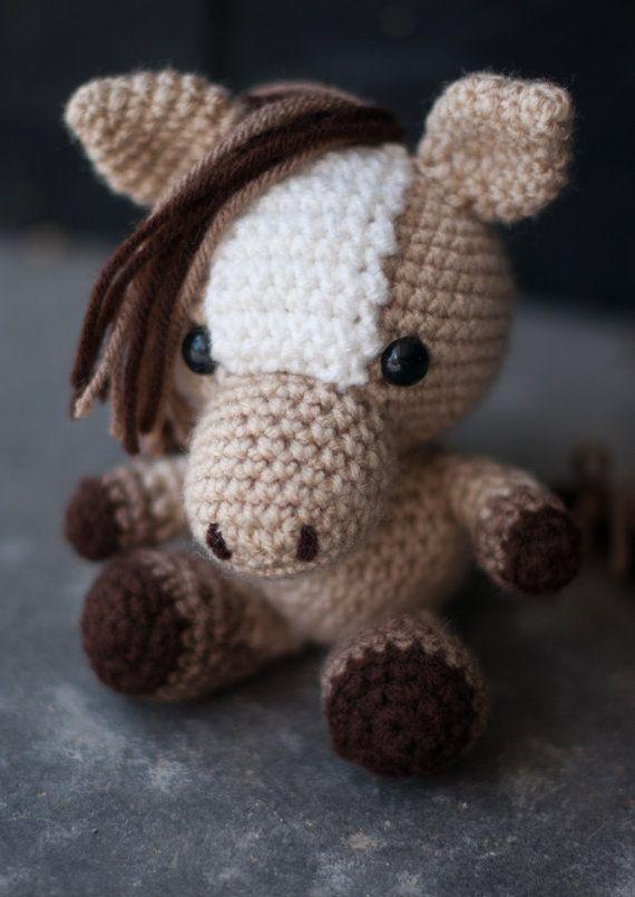 Free Crochet Pattern For Horse : 25+ Best Ideas about Crochet Pony on Pinterest Crochet ...