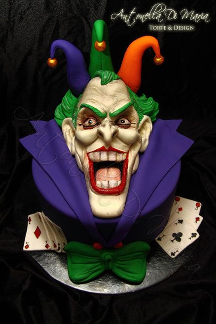 Amazing #Joker #Cake! We totally love and had to share! Great #CakeDecorating!  Cake by antonelladimaria