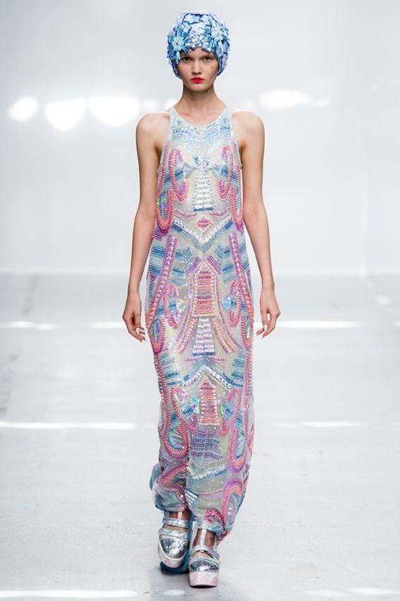 Mode à Paris S/S 2015 MANISH ARORA. See all fashion show at: http://www.bookmoda.com/?p=37540 #modeaparis #spring #summer #ss #fashionweek #catwalk #fashionshow #womansfashion #woman #fashion #style #look #collection #paris #manisharora