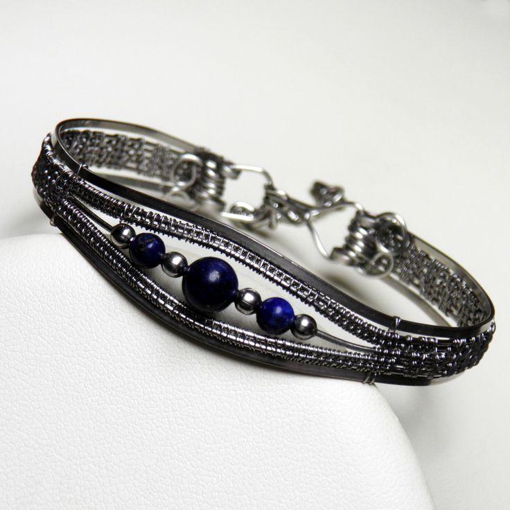 Bracelet with lapis