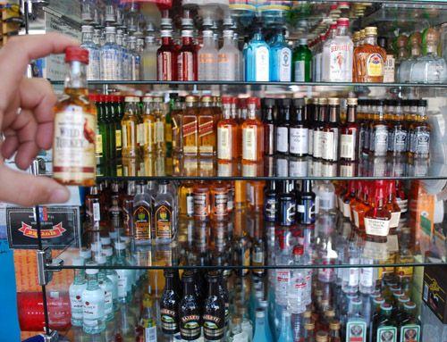 Miniature alcohol bottles turned to Potions Ingredients. HALLOWEEEEEEEN!!!!!!! Harry Potter inspired :)