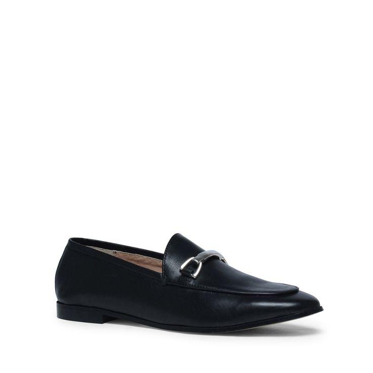 Zwarte bit loafers  Description: Zwarte loafers zijn onmisbaar in uw schoenencollectie! Deze zwarte loafers van het merk Manfield zijn aan zowel aan de binnenzijde als buitenzijde van soepel leer waardoor de schoenen erg comfortabel zitten. Bijzonder aan dit model is de siergesp op de wreef. De maat valt normaal en de hakhoogte is 15 cm gemeten vanaf de hiel.  Price: 79.99  Meer informatie  #manfield