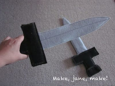 Make, Jane, make!: DIY Hallowe'en: Felt and Cardboard Sword Tutorial