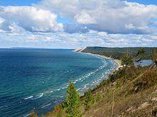 Lago Michigan - Wikipedia Il Lago Michigan ed il Lago Huron sono fisicamente un unico bacino. Se considerati separatamente, l'Huron ed il Michigan sono rispettivamente il terzo ed il quarto tra i più estesi laghi d'acqua dolce.