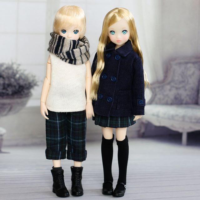 アイドール大阪 販売品その2 以前作った 冬の男の子セットの再販です。 コーデュロイのコートは単品販売 女の子に着せた時用のプリーツスカートも単品販売、 ハイネックカットソー・ブラックウォッチパンツ・スヌード・靴下の4点をセットにしています。 ブログに画像多目にのせていますので、よろしければご覧くださいね😊 ピュアニーモXSサイズ用です。 Sサイズの男子には着られません🙇 #ruruko#rurukodoll#rurukoboy#アイドール大阪
