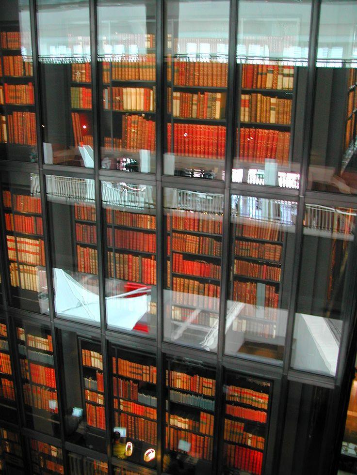 #BritishLibrary #Shelves #London