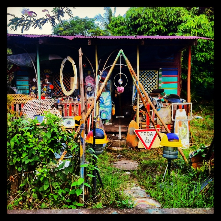 Casa hippie en puerto viejo playa pinterest for Casas hippies