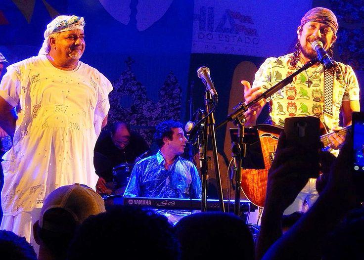 """https://flic.kr/s/aHskxQLd2m   FOTOS+VÍDEO - Geronimo Santana e Bell Marques - Show Projeto """"O PAGADOR DE PROMESSA"""" - Largo Pedro Arcanjo - Salvador-Bahia-Brasil (05-04-2016)   FOTOS (44)+VÍDEO (1) - Geronimo Santana e Bell Marques - Show Projeto """"O PAGADOR DE PROMESSA"""" - Largo Pedro Arcanjo - Salvador-Bahia-Brasil (05-04-2016)  VÍDEO YOUTUBE (Link) Bell Marques e Geronimo Santana - Cama e Tesão www.youtube.com/watch?v=Dmk_8BW_qJo"""