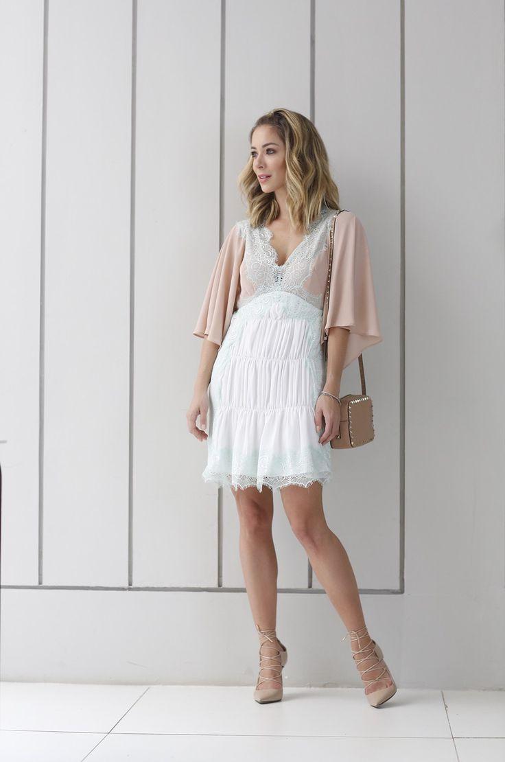 Look Helena Lunardelli estilo Candy Colors, com uma roupa super feminina com um toque boudoir
