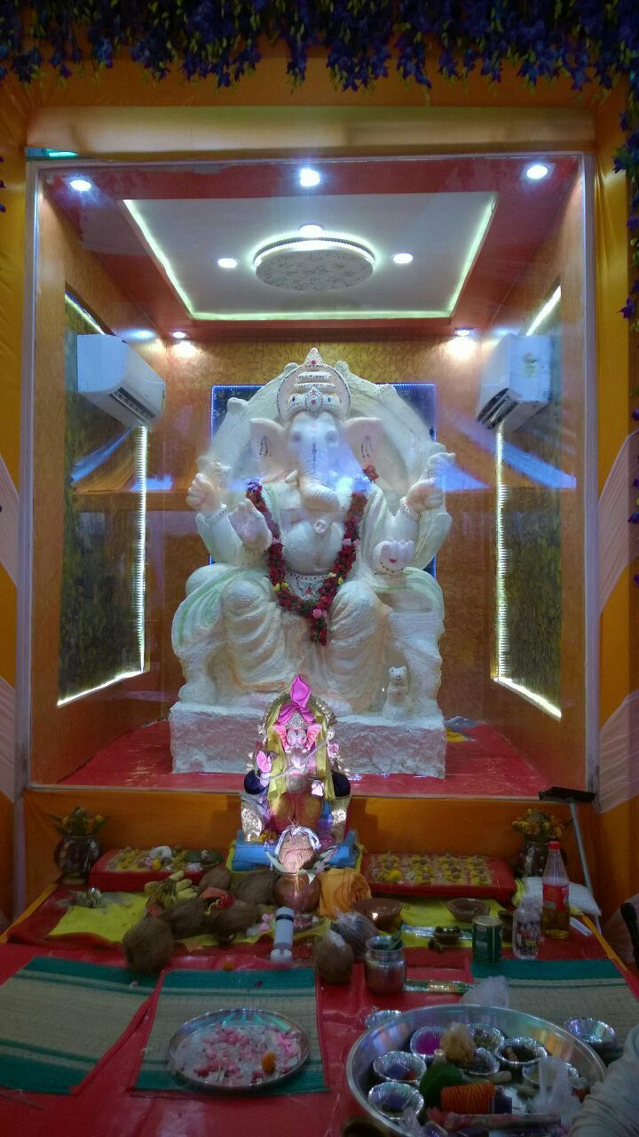 in bilaspur Ganeshji made by 6oookg ghee placed in Ac cabin.