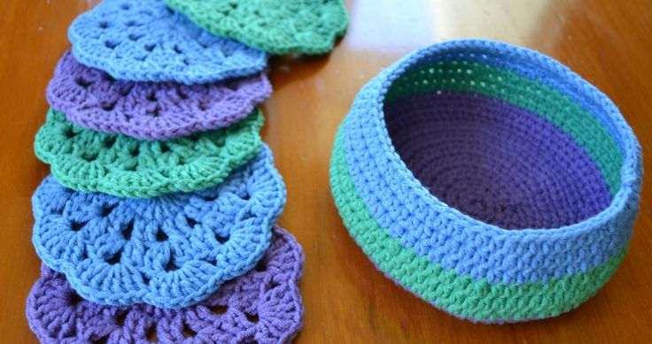 Crochet coasters free pattern ༺✿Teresa Restegui http://www.pinterest.com/teretegui/✿༻