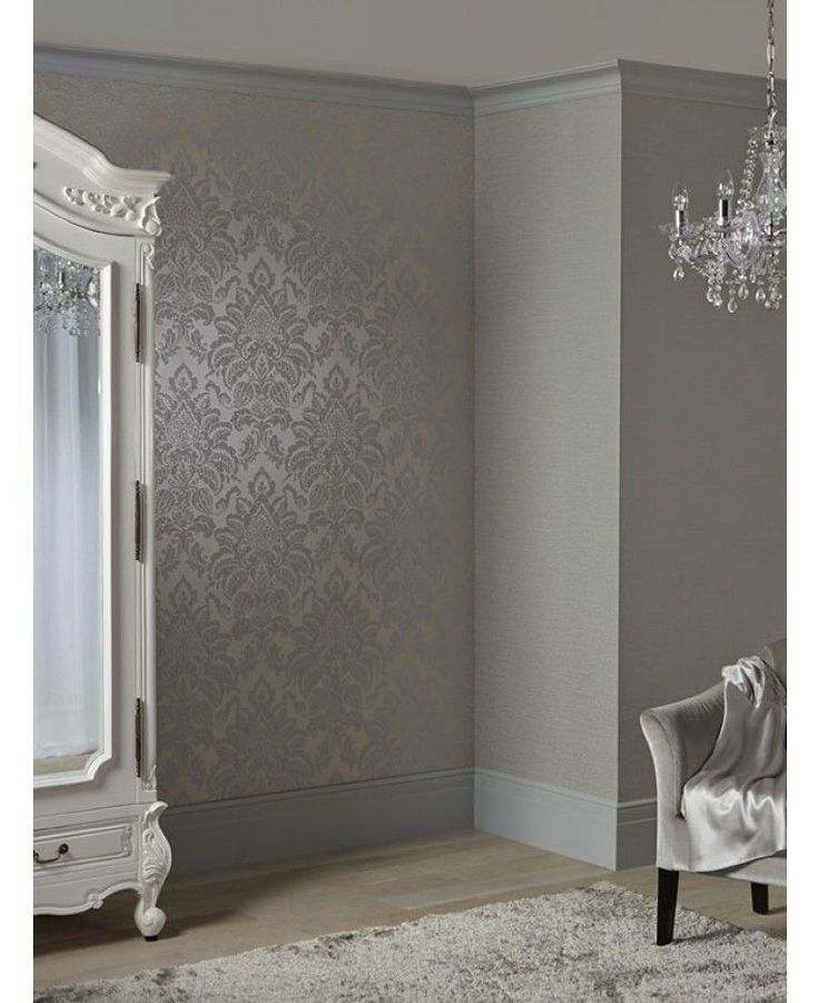 A beautiful damask patterned wallpaper Features glitter highlights Ideal for bedrooms and lounges