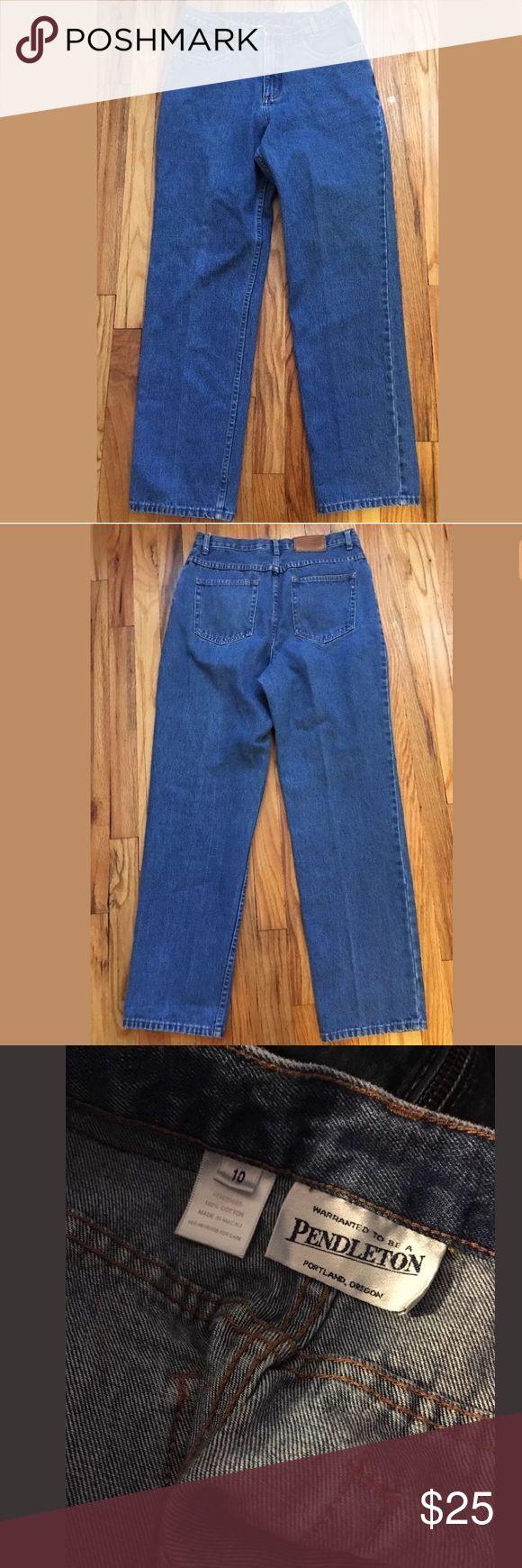 "VTG Pendleton Womens Denim jeans sz 10 VINTAGE PENDLETON WOMENS JEANS! SZ 10 100% COTTON EXCELLENT CONDITION! Measurements taken while lying flat: _ (DOUBLE WAIST) Waist, across - 15"" (30"") Inseam - 31"" Front rise - 11"" Pendleton Jeans Straight Leg"
