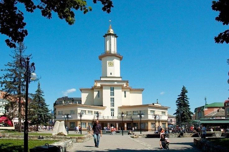 http://ru.esosedi.org/UA/26/1000480233/ratusha/  Ратуша – #Украина #Ивано_Франковская_область #Ивано_Франковск (#UA_26) Ратуша в которой располагается краеведческий музей