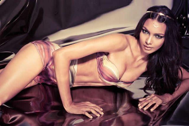 Alexandra Fernandes de lingerie e