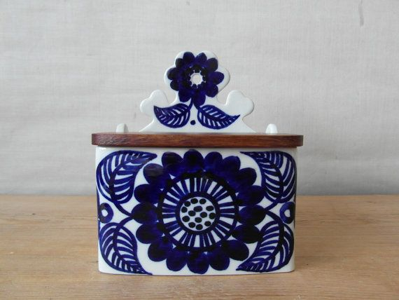 Arabia Finland - Köökki - cobalt blue salt box - floral - GOG - mid century
