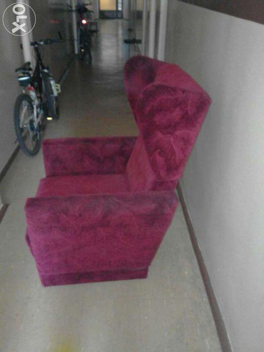 90 zł: Sprzedam bardzo wygodny fotel w bardzo dobrym stanie wykonany przez zakład rzemieślniczy.