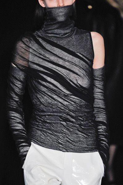 Alexander Wang FW 2012: Alexander Wang Couture, Fw 2012, Black White, Fall 2012, Blog Today, Wang Fw, Fashion Knits, Faces Or Fashion, Wang Fall