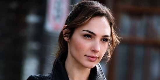 Gal Gadot Age, Height, Weight, Net Worth, Measurements