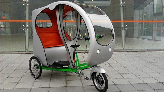 Ceci en leòn con el triciclo de soltra.org , viaje 15 €   C-Evolo, triciclo eléctrico para transporte de mercancías y otros usos    Evolo...