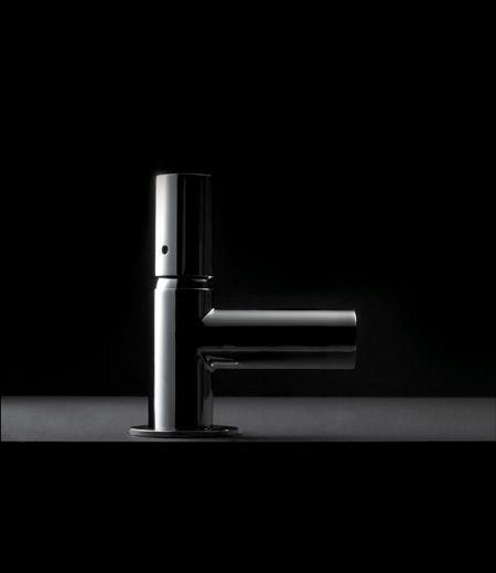 linea rubinetti TUBE - by Bonomi Contemporaneo Italiano - design Sergio Mori http://www.idrosanitariabonomi.com/it/tube-rubinetteria.html