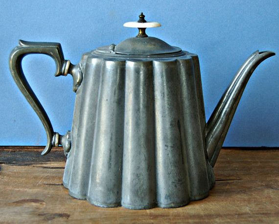 Antique pewter tea pot by R Richardson of Sheffield by nancyplage, £30.00