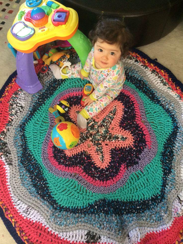 Alfombra hecha con trapillo (zpaguetti) para mi hija Sabrina Zpaguetti rug for Sabrina