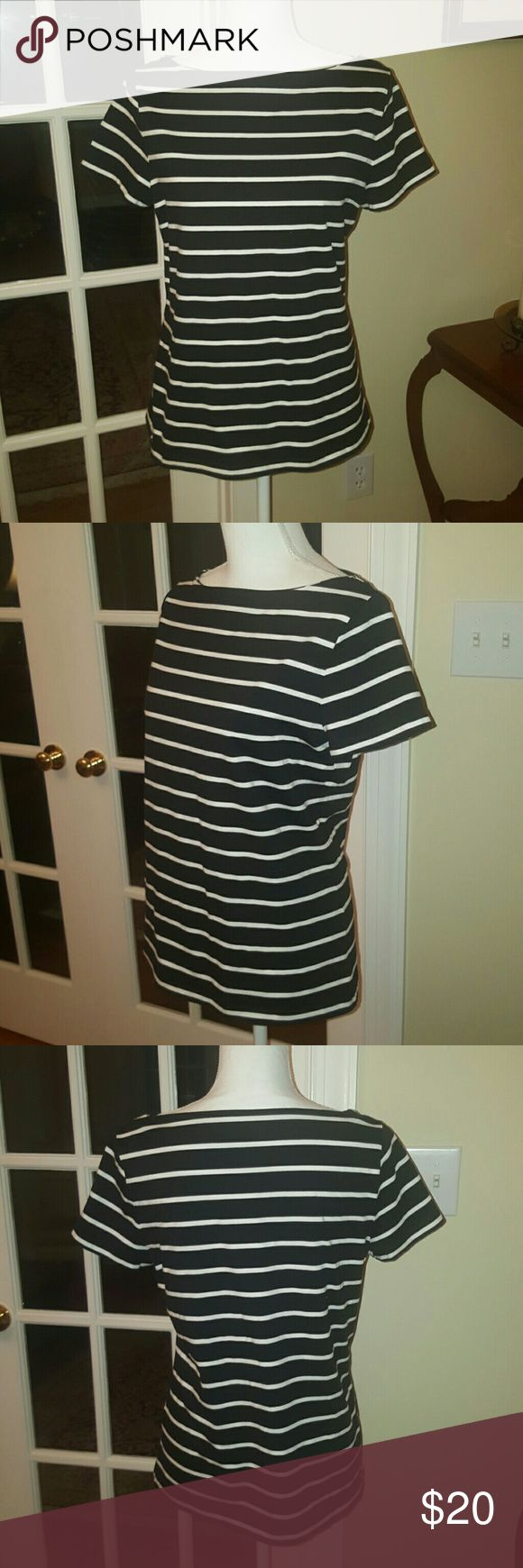 Talbots black and white stripe cotton tees size M Talbots black and white striped cotton tee size medium. Excellent condition. Talbots Tops Tees - Short Sleeve
