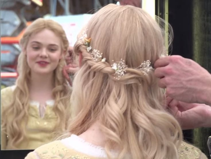 How To Get Elle Fanning�fs Sleeping Beauty Hair From Maleficent