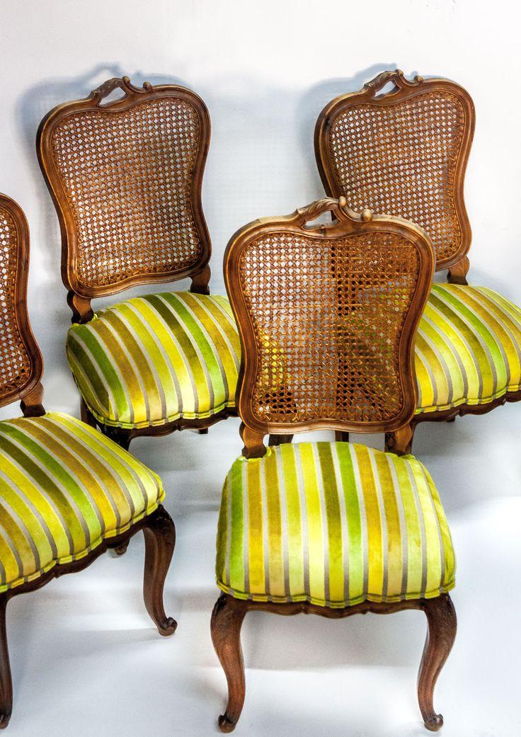 Classic chairs upholstered in striped velvet from the Manoir collection by #windexclusivedesign  #veneris #tapiceria #upholstery #chair #silla #velvet #terciopelo #interiordesign #interiorismo #barcelona #bcn #telas #design  #vintage #interior #fabrics #decoracion #arquitectos #deco #decoracioninteriores #classicchair #rayas #trendy #goesgreen #style #homedecor #homedesign