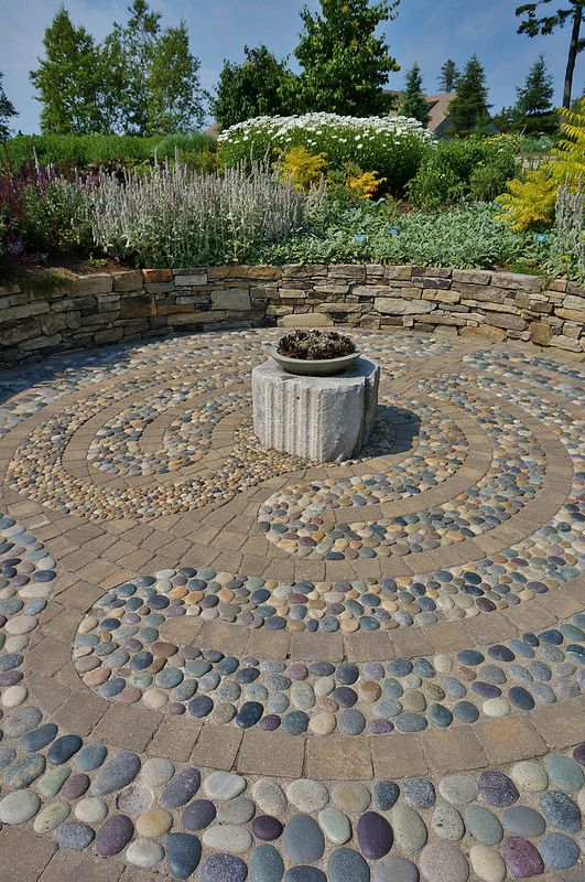 25 best ideas about labyrinth garden on pinterest for Garden labyrinth designs